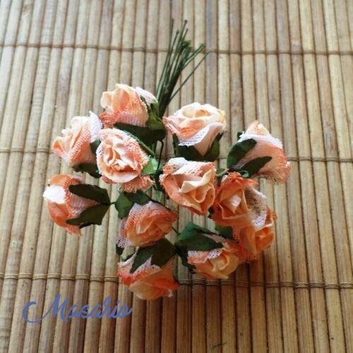 Pomo rosa vintage 2cm. 12 flores