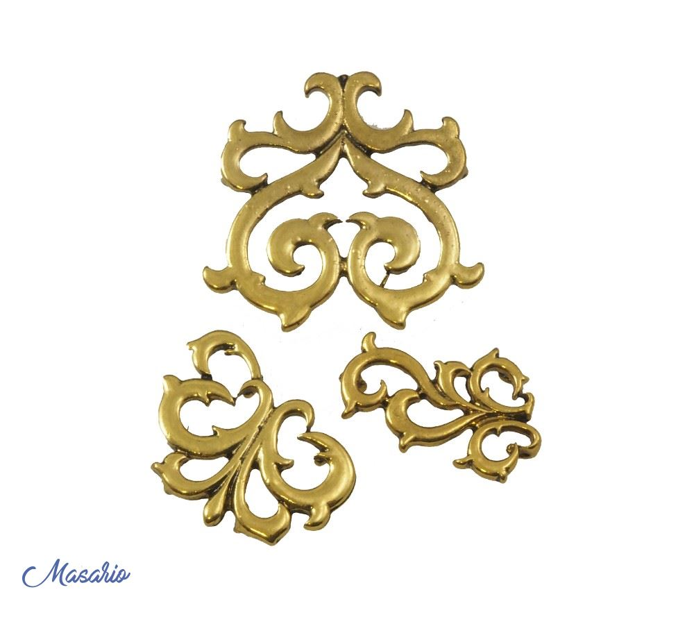 Metallic ornaments (3 pack)