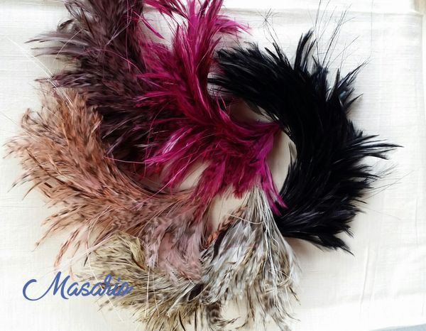 Pomo plumas cuello de gallo (31cm aprox.)
