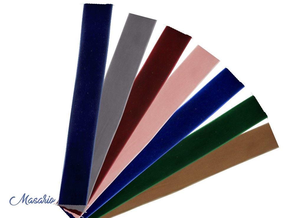 Velvet ribbon 2 cm. approx.