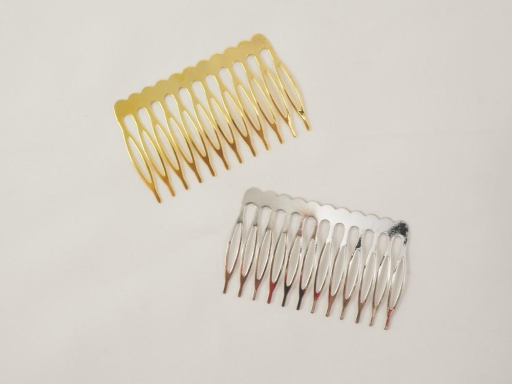 2 Peinetas metalicas 6 x 4 cm