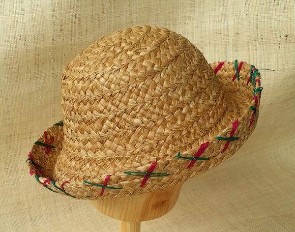 Sombrero bombín de paja