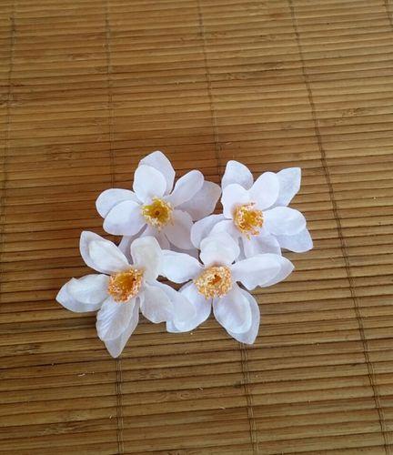 4 flores de 6 cm