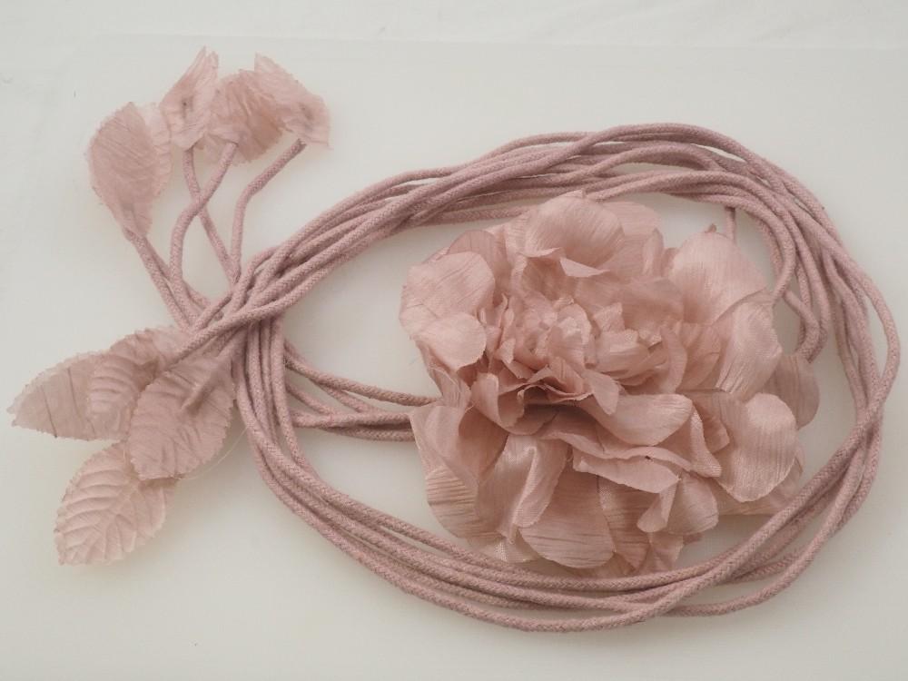 Belt with flower