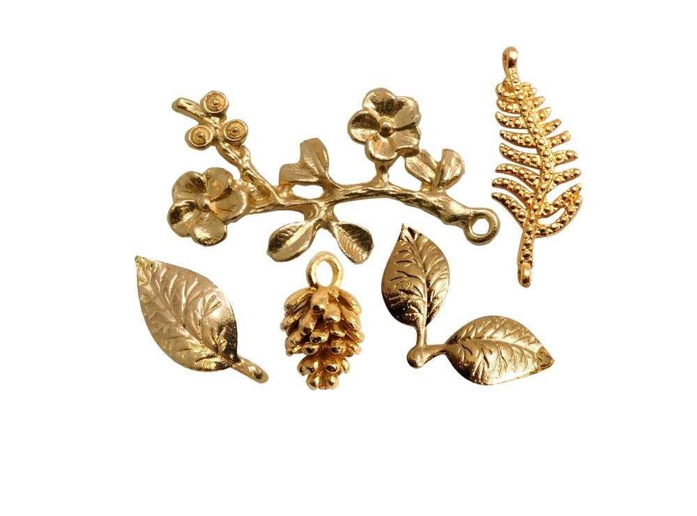 Metallic small ornments